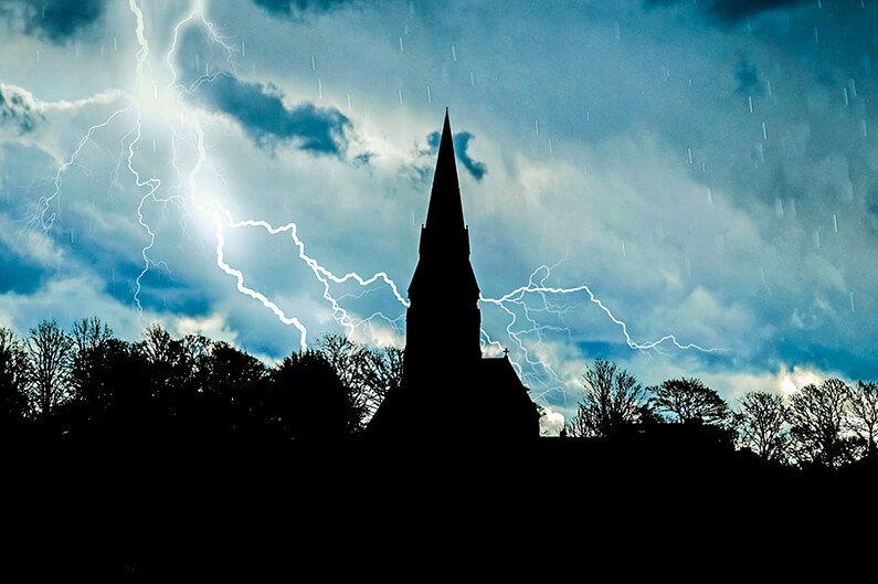 Svenska kyrkans kris idag och för tvåhundra år sedan