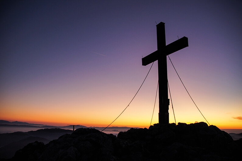Vad korset överbryggar  – och inte.