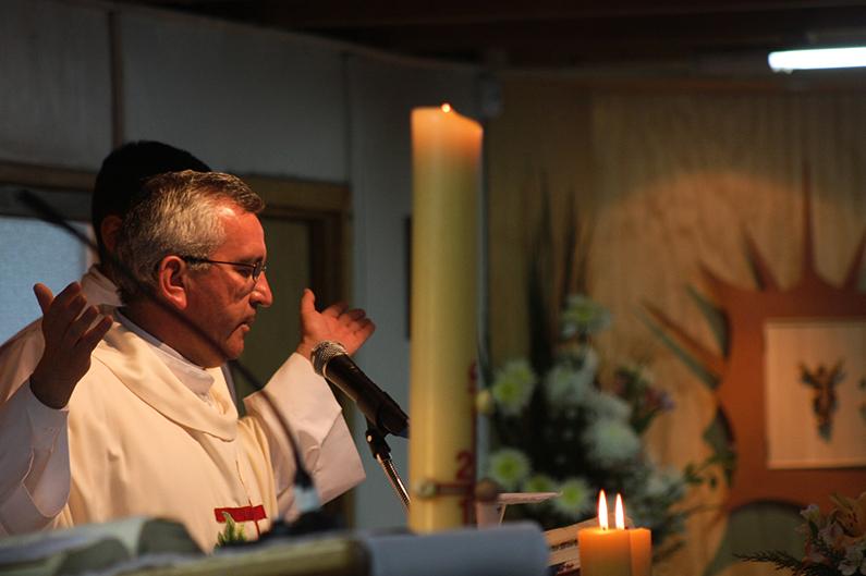 När vi samlas till gudstjänst – om kyrkliga bruk